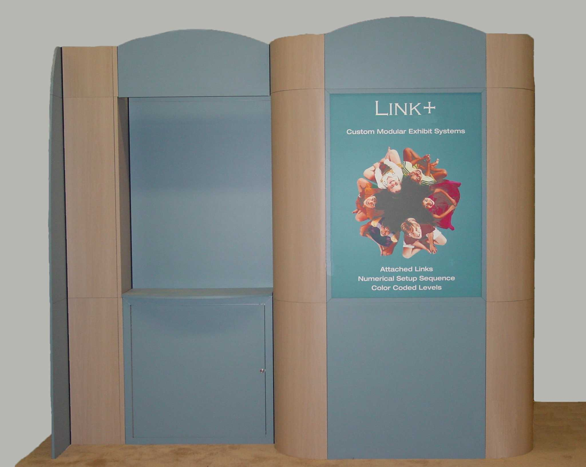 Pre-owned exhibits: 10x10 metal and wood custom modular trade show display