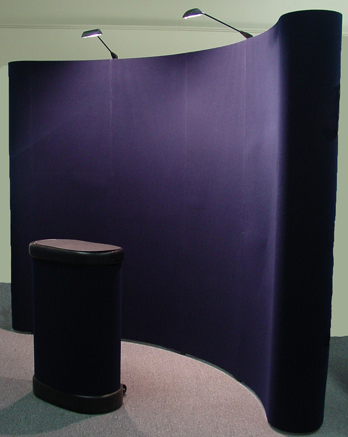 Pre-owned exhibits: 10x10 portable exhibit with lights and case