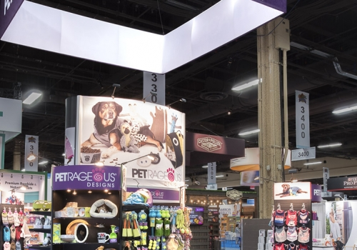PetRageous island custom exhibit features slat wall displays